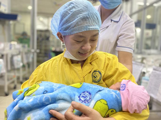 Cứu sống sản phụ trẻ mang thai 30 tuần bị tai nạn giao thông