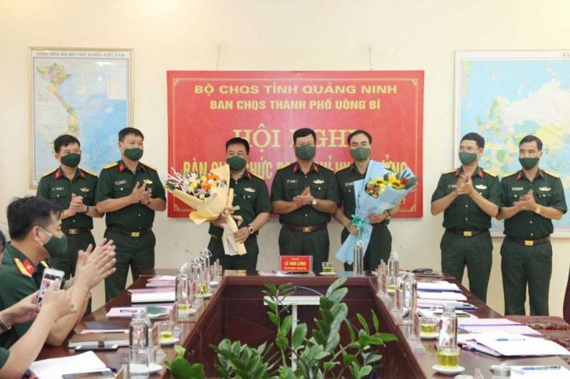 Quảng Ninh: Tp Uông Bí bàn giao chức danh Chỉ huy trưởng Ban CHQS