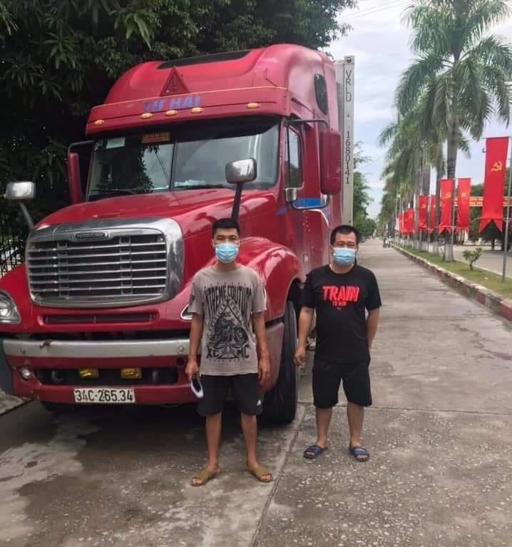 Quảng Ninh: Phát hiện người trốn trên cabin xe container nhằm qua chốt kiểm soát
