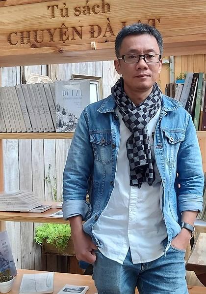 Nhà văn Nguyễn Vĩnh Nguyên mở tủ sách về Đà Lạt