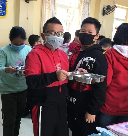 Bộ Y tế khuyến cáo học sinh và giáo viên không cần đeo khẩu trang, phụ huynh hoang mang lo lắng