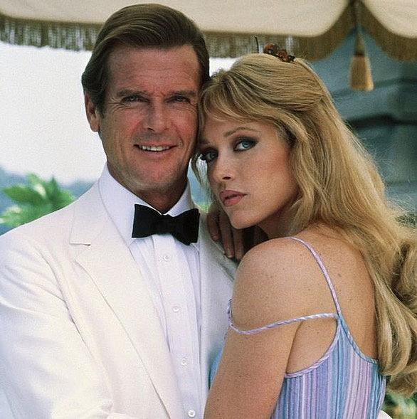 nu dien vien phim diep vien 007 qua doi vi dot qui