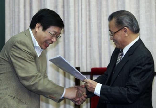 Bộ trưởng Tư pháp Nguyễn Đình Lộc, người soạn thảo Hiến pháp Việt Nam Thống nhất và Đổi mới