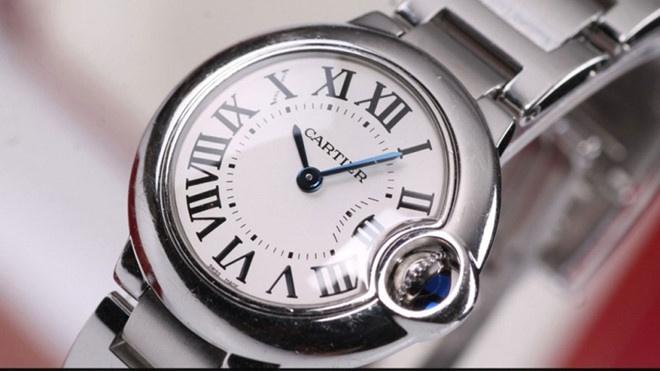 Chiếc đồng hồ hàng hiệu bị bỏ quên và phép thử lòng người