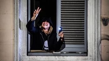 Chuyên gia tâm lý Pháp chia sẻ cách sống vui vẻ trong thời kỳ phong tỏa