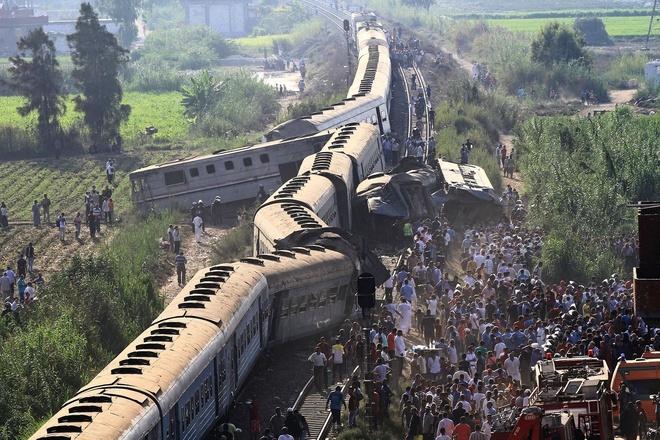 Tai nạn tàu hỏa khiến 32 người thiệt mạng và hàng chục người bị thương
