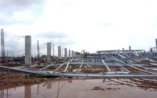 Khu nhà xưởng nhà máy dệt kim ở Quảng Ninh bị đổ sập