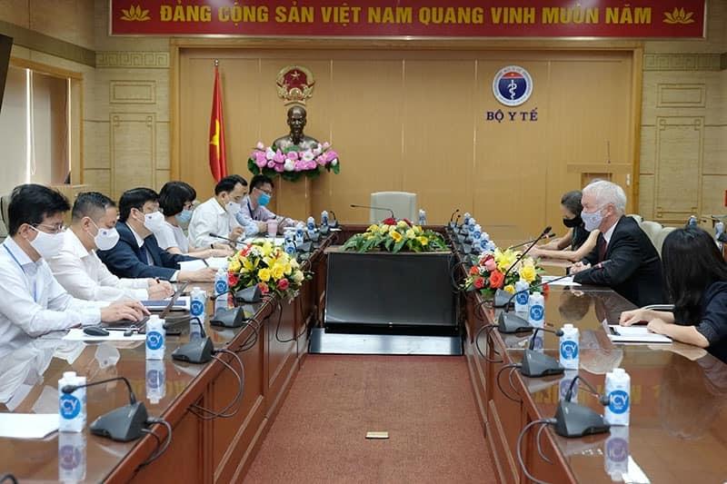 Nhiều quốc gia cam kết hỗ trợ vắc xin cho Việt Nam chống dịch