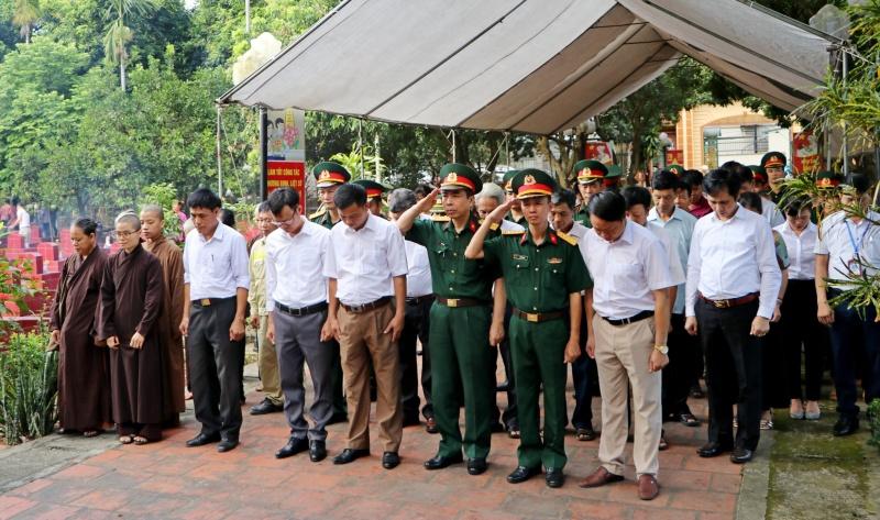 Đảng bộ, chính quyền và nhân dân xã Sơn Đông tri ân Người có công