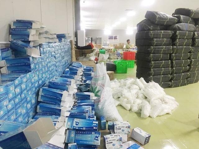 Hàng triệu khẩu trang, găng tay đã qua sử dụng bị thu giữ