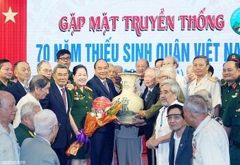 thu tuong bai hoc cho dang nha nuoc ve dao tao can bo