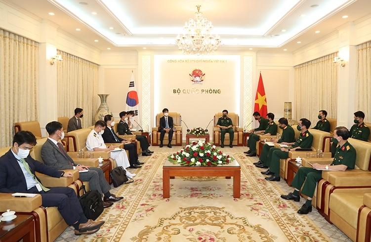 Việt Nam - Hàn Quốc tăng cường hợp tác về công nghiệp quốc phòng