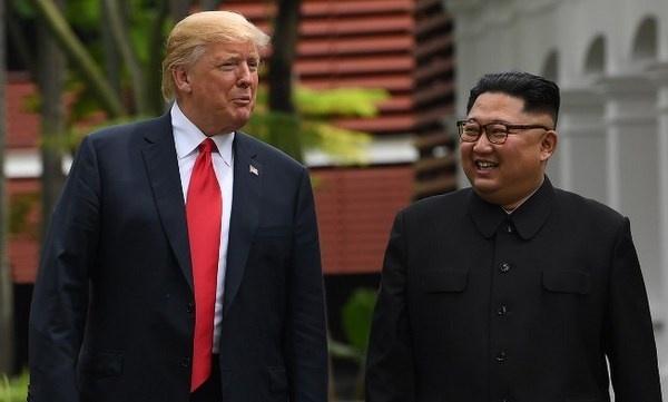 Tổng thống Mỹ họp báo, tiết lộ chi tiết thỏa thuận ký với lãnh đạo Triều Tiên sau cuộc họp thượng đỉnh sáng nay.