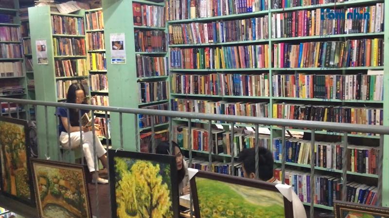 Tìm đến không gian sách lâu đời nhất phố Đinh Lễ