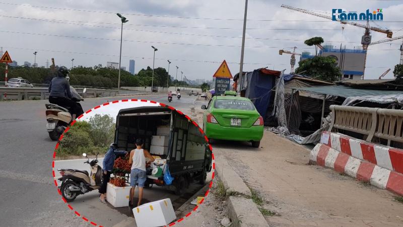 Nhếch nhác ở Đại lộ Thăng Long…trách nhiệm thuộc về ai?