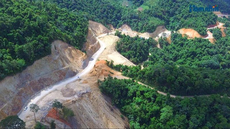 Điện Biên phá rừng phòng hộ để làm đường trước khi được Thủ tướng Chính phủ phê duyệt