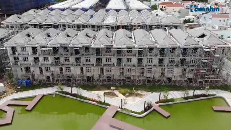 """Hưng Lộc Phát 110 xây """"lụi"""" căn biệt thự, Sở Xây dựng chỉ phê bình Đội Thanh tra địa bàn"""