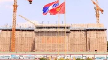 Biểu tượng của tình đoàn kết Lào - Việt Nam