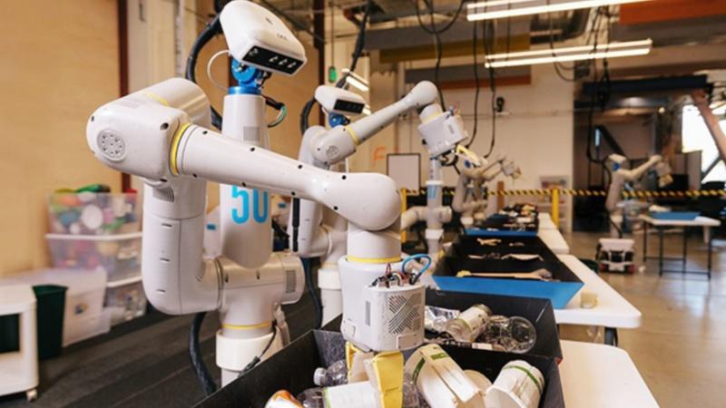 Robot phân loại rác thải sử dụng công nghệ trí Tuệ nhân tạo ởTrung Quốc