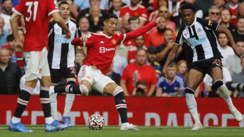 Cristiano Ronaldo lập cú đúp trong ngày trở lại Old Trafford