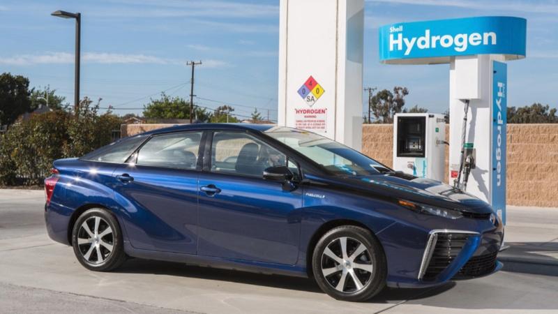 Toyota Mirai 2021 chạy bằng hydrogen an toàn thế nào?