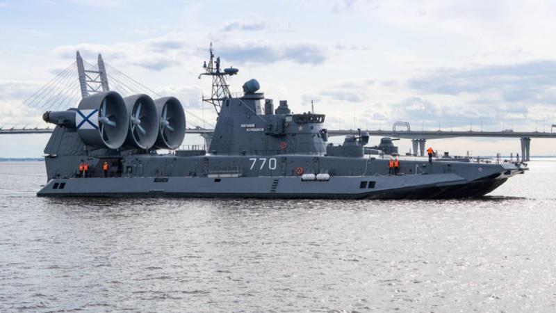 Những phương tiện quân sự uy lực nhất thế giới
