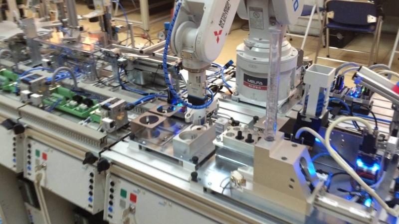 Nâng cao hiệu quả nhờ dây chuyền sản xuất hàng hóa tự động
