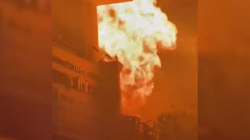 Nhà 2 tầng bốc cháy, một người chết